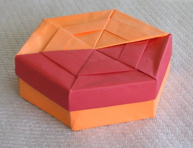 Top outside view of 2 sheet American letter page hex box.
