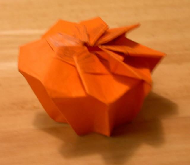 Twist box, type four. Designed in 2002 (by Rosemary LYNDALL WEMM
