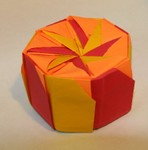 """High Walled Octagonal.  Sept 2006  This one uses 3 sheets of paper per octagonal section.  It is very bulky and very difficult to put together.  It has been relegated to the """"proof of concept"""" basket."""